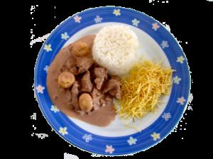 Strogonoff com arroz e batata palha